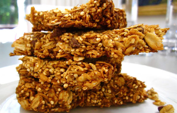 Healthy 5 Ingredient Toasted Quinoa Granola Bars