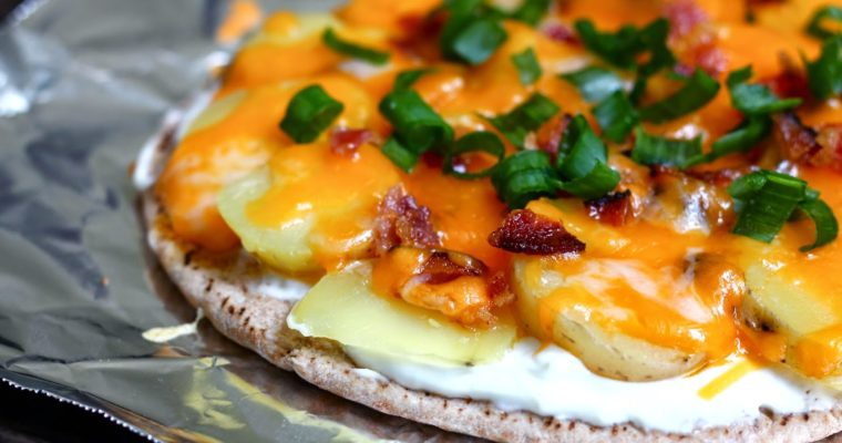 "Let's Do Lunch: Loaded ""Baked"" Potato Pita Pizza"